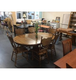 7 piece dinette / dark oak w leaf
