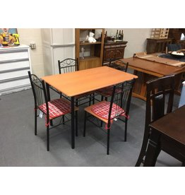 5 piece dinette/ black metal