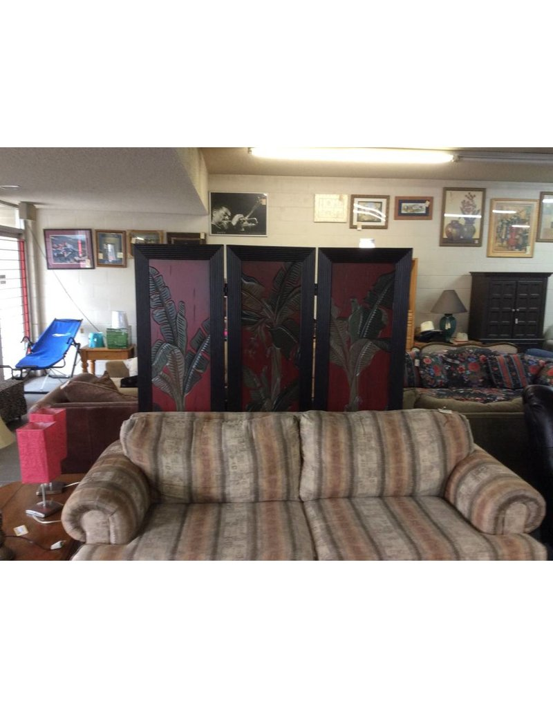 Room divider / black n red