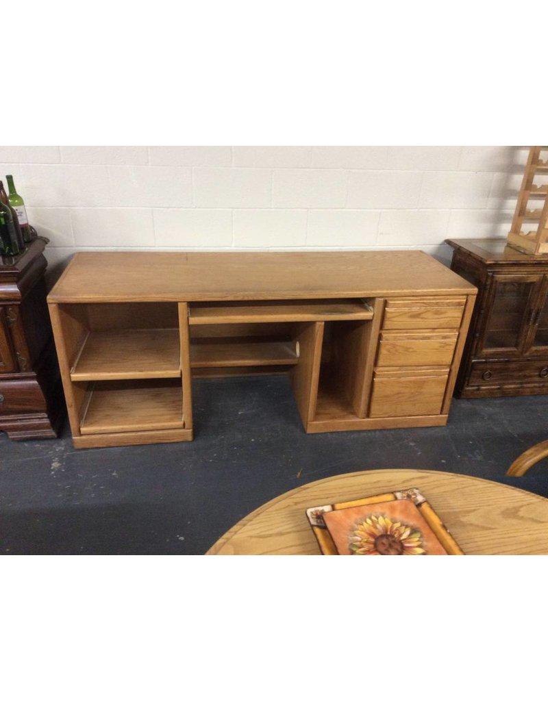 Double ped desk / oak w slideouts