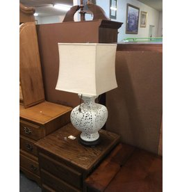 Lamp / white porcelain