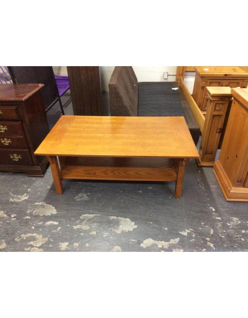 Coffee table / mission oak - 2