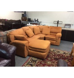 3 piece sectional  w chaise and recliner
