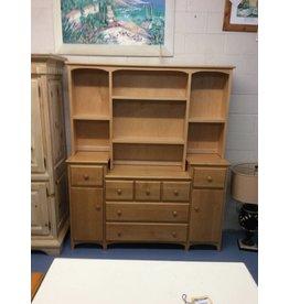 5 drawer dresser / blonde w hutch