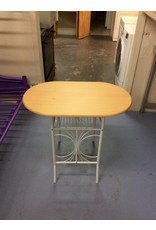 Small table /  blonde n white