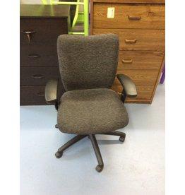 Office chair / grey n black w arms