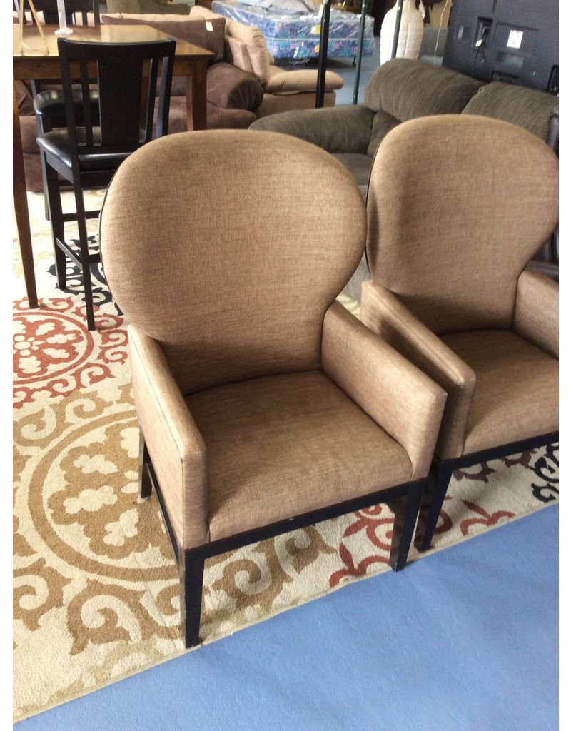 Wing back chair /  brown