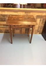 Small 1 drawer desk