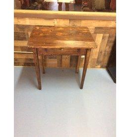 Small 1 drawer desk