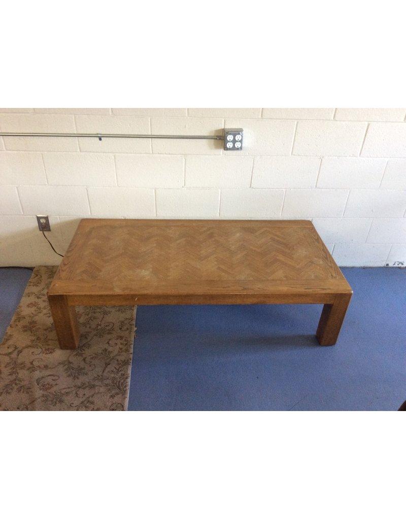 Coffee table / oak w pattern
