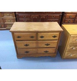 Small 4 drawer dresser/ oak