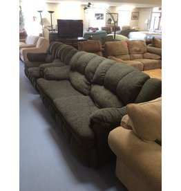 Sofa / green w queen size bed