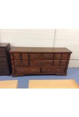 8 drawer dresser / pine - 19