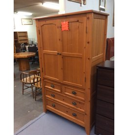Clothes armoire / pine n cherry