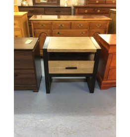 1 drawer nightstand / black w green