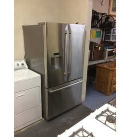 Refrigerator / Bosch, SS w bottom freezer drawer