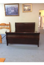 California king bedstead / cherry sleigh