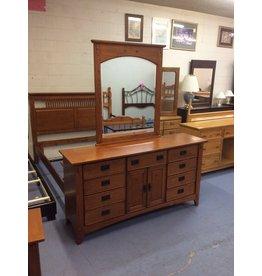 9 drawer, 2 door dresser w mirror / cherry oak