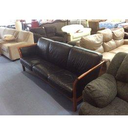 Sofa / wood n black leather