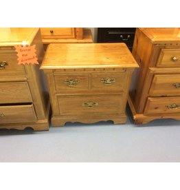 2 drawer nightstand / oak