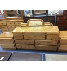 7 drawer dresser w mirror / oak