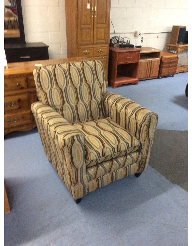 Sitting chair / brown floral