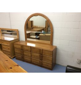 6 drawer dresser w mirror