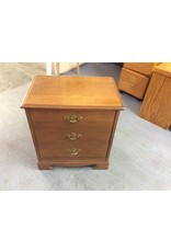 Nightstand w pull out drawer