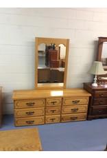 9 drawer dresser w mirror / oak