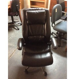 Office chair / black faux