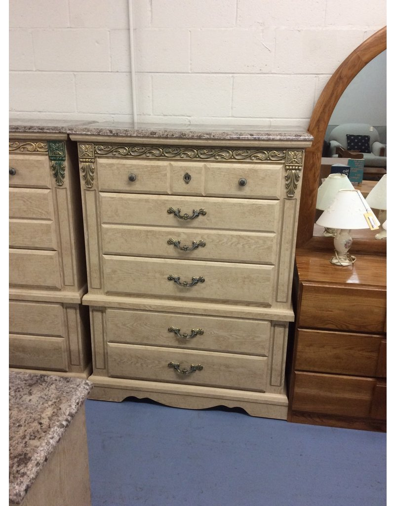 5 drawer chest / faux top