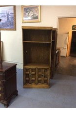 2 shelf cabinet  / 2 doors