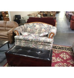 Loveseat / floral