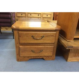 2 drawer nightstand / oak w oak handles