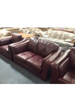 Loveseat / brown leather w side pads