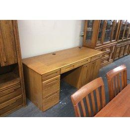 Desk /  3 drawers oak
