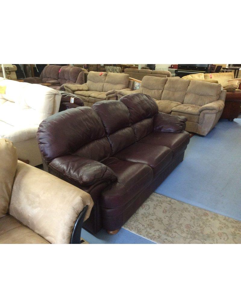 Sofa / brown leather w oak feet