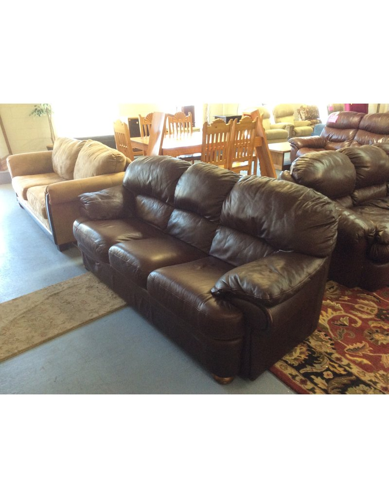 Sofa /  brown leather