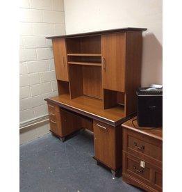 Desk / oak wrap w hutch