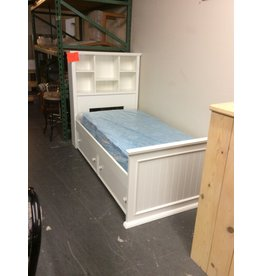 Twin size captains bed w trundle