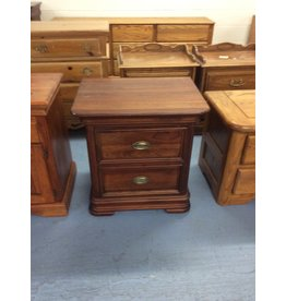 2 drawer nightstand / cherry