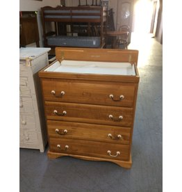 Chest / 4 drawer w baby changer