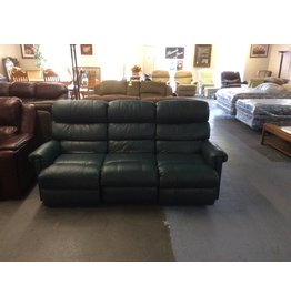 Dual reclining sofa / green lazyboy