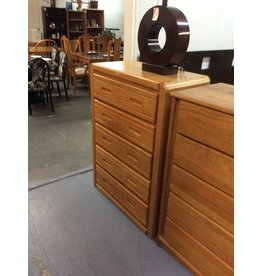 5 drawer chest /  oak w handles
