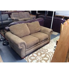 Loveseat / brown tweed lazyboy