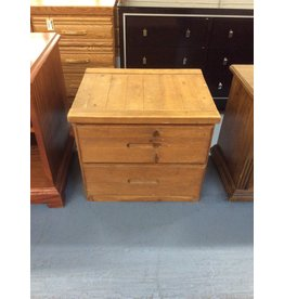 2 drawer nightstand / pine