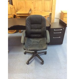 Office chair / black faux  w arms