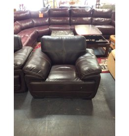 Chair / brown leather