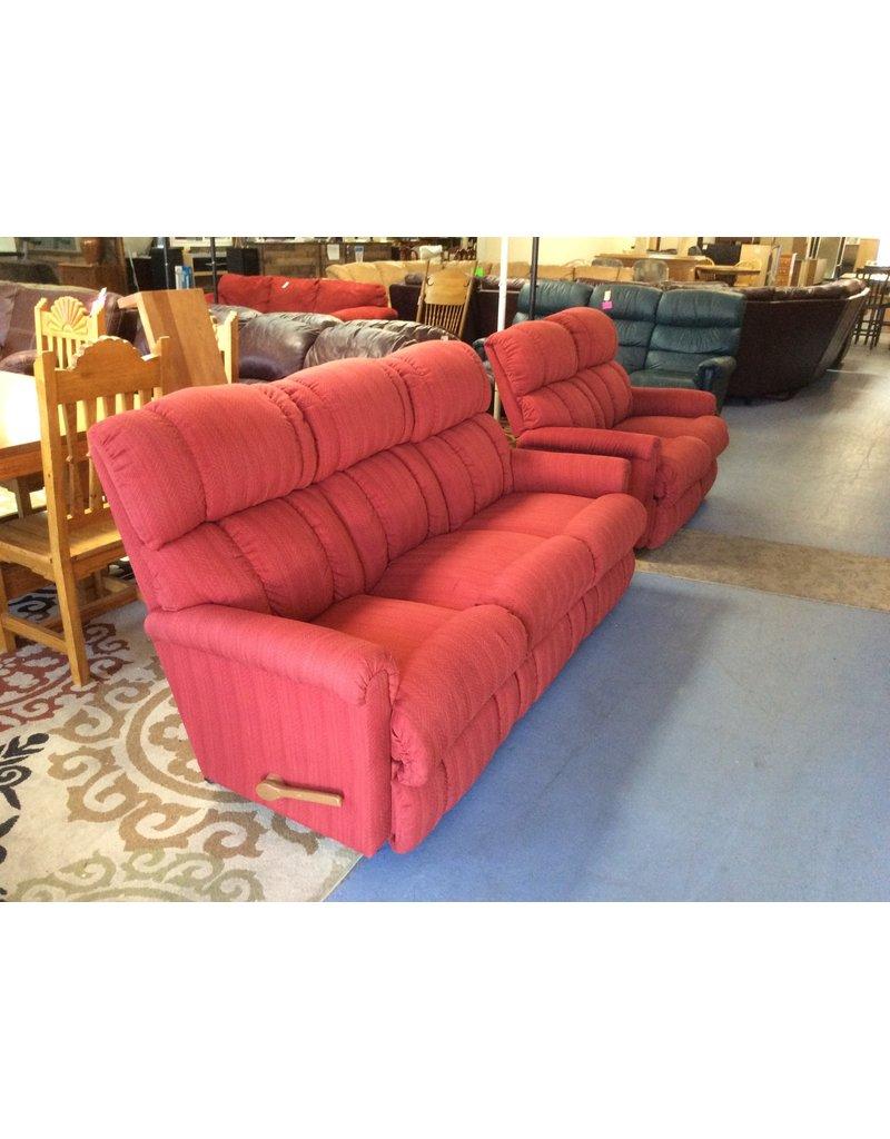 Dual reclining sofa / red lazyboy