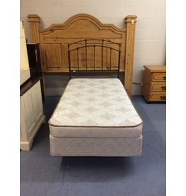 Twin bed / metal